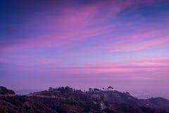 Por do sol sobre os montes de Los Angeles imagem de stock
