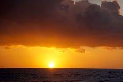 Por do sol sobre a praia em Los Angeles, Califórnia Fotografia de Stock