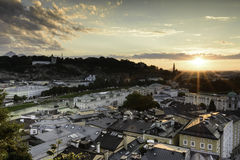 Por do sol sobre Salzburg Foto de Stock