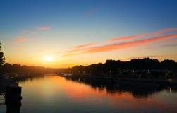Por do sol sobre Seine Foto de Stock