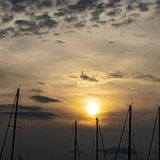 Por do sol sobre? veleiros no príncipe Edward Island, Canadá fotografia de stock