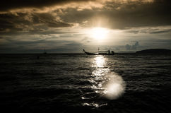 Por do sol tormentoso Fotos de Stock Royalty Free