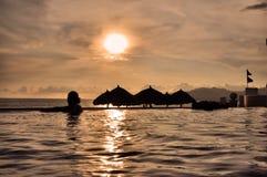 Por do sol tropical Imagens de Stock