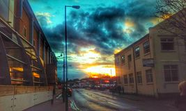 por do sol urbano Fotografia de Stock