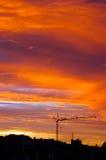 Por do sol urbano dourado. Fotografia de Stock