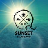Por do sol verde com superfície do mar da água de turquesa Imagem de Stock Royalty Free