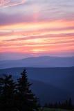 Por do sol vermelho na paisagem das montanhas Imagem de Stock Royalty Free