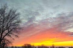 Por do sol vermelho no céu fotografia de stock royalty free