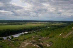 Por el lado del río Imagen de archivo