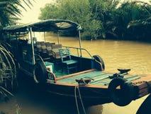 Por el río foto de archivo