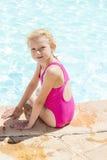 Por la piscina Fotografía de archivo libre de regalías