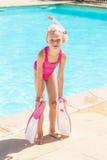 Por la piscina Foto de archivo