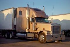 Por muito tempo - transporte por caminhão do reboque Imagem de Stock