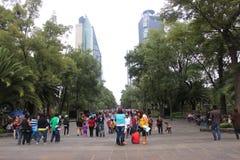 Por Paseo Reforma de Bosque de Chapultepec fotos de stock