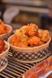 Porc cuit à la friteuse chaud de style coréen dans la cuvette photographie stock
