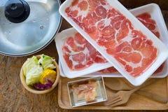 Porc et légumes coupés en tranches Images stock