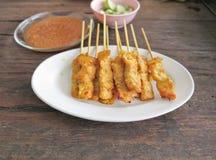 Porc grillé Satay avec de la sauce à arachide Photo stock