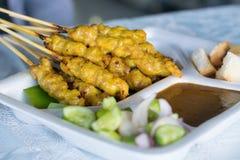 Porc Satay avec de la sauce à arachide Images libres de droits