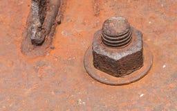 Porca oxidada velha do metal fechado com oxidação e parafusos velhos da corrosão fotos de stock