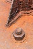 Porca oxidada velha do metal fechado com oxidação e parafusos velhos da corrosão fotografia de stock royalty free