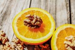 Porcas e laranja Fotos de Stock