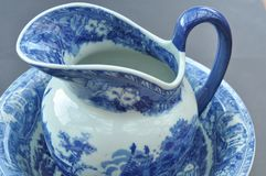 Porcelain jug and bowl Royalty Free Stock Photos