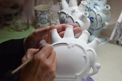 Porcelaine de peinture de main Images stock