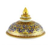 Porcelaine de Thail avec des desings dans cinq couleurs d'isolement  Image stock