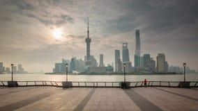 Porcelaine du centre de laps de temps du panorama 4k de baie de coucher du soleil de Changhaï clips vidéos