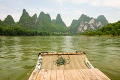 Porcelaine transportante par radeau en bambou de rivière de Li Images libres de droits