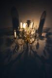 Porcelana świecznik na magicznym cieniu i ścianie Zdjęcia Stock