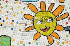Porcelana składa mozaiki tło Słońce twarzy kształt Obraz Royalty Free