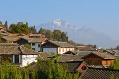 porcelanowego lijiang stary dachów miasteczko Yunnan Obrazy Royalty Free