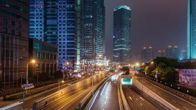Porcellana del centro di lasso di tempo di panorama 4k del ponte della strada di traffico di notte di Shanghai archivi video