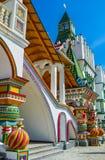 Porch& x27; оформления s в традиционном русском стиле стоковая фотография