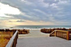 Porche avec une vue d'océan photographie stock