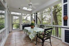 Porche dans la maison suburbaine Images stock