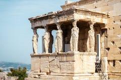 Porche de cariatide d'Erechtheion sur l'Acropole à Athènes, Grèce photos stock