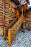 Porche en bois découpé photographie stock