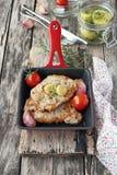 Porción de carne frita fresca Foto de archivo