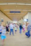 Porción de gente en el terminal Fotografía de archivo libre de regalías