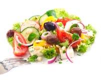 Porción de la ensalada griega deliciosa Imagen de archivo