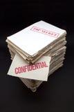 Porción de papeles confidenciales Imagenes de archivo