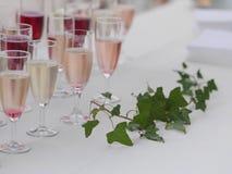 Porción de vidrios con champán Imagen de archivo libre de regalías