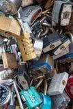 Porciones de cerraduras cerradas juntas Foto de archivo libre de regalías
