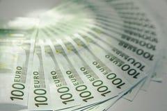 Porciones de cientos cuentas euro Imagen de archivo libre de regalías