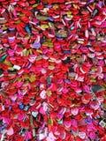 Porciones de corazones rojos que muestran amor Foto de archivo