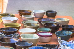 Porciones de cuencos de cerámica Fotos de archivo libres de regalías