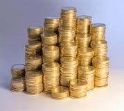 Porciones de monedas euro apiladas Fotos de archivo libres de regalías