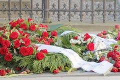 Porciones de rosas en el sepulcro del primer ministro asesinado Olof P Imagen de archivo libre de regalías